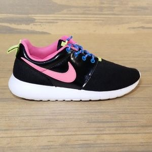 Nike Kids Roshe One Sneakers